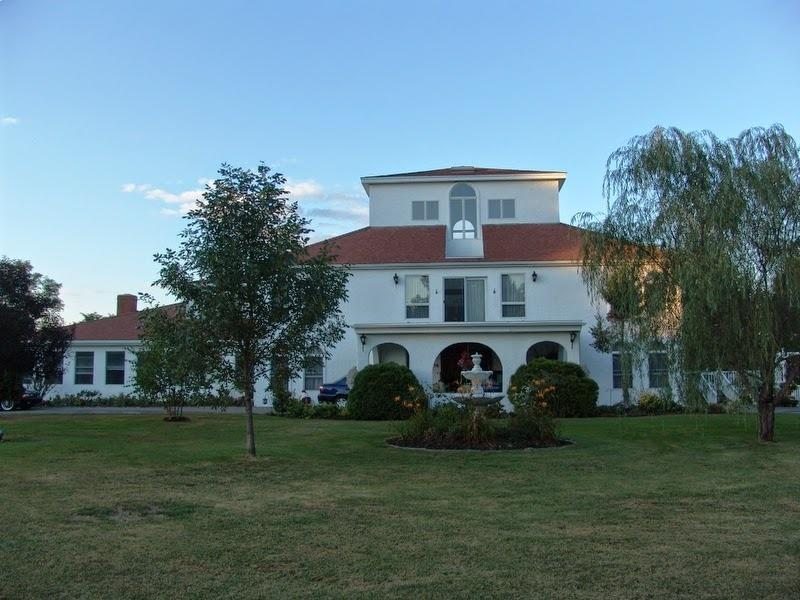 VILLA RIVIERA on the Merrimack River., aluguéis de temporada em West Newbury