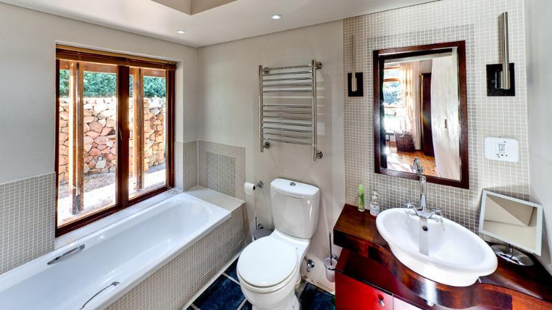 bathroom Chapmans Peak