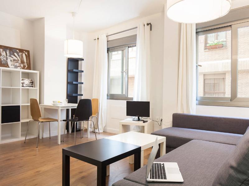 Elegante apartamento en el centro, vacation rental in Almeria