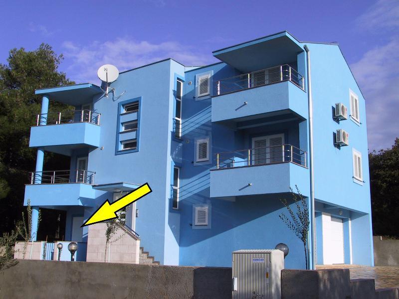 Apartments BLUE, Diklo, Zadar, Apartment A1, vacation rental in Diklo