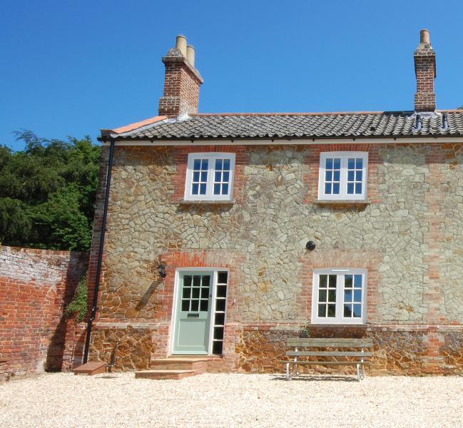 Gardeners Cottage, vacation rental in Dersingham