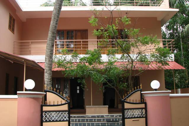 GOLDEN TURTLES HOME STAY, vacation rental in Kazhakkoottam