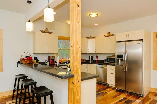 Modern Kitchen with Open Floor Plan