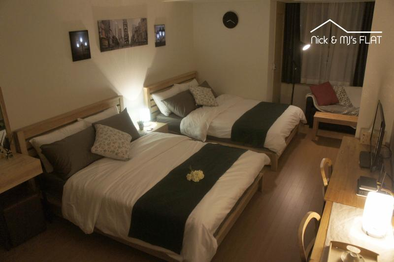 [MYEONG-DONG] NICK and MJ - Flat M (Upto 5 Guests), vacation rental in Seoul