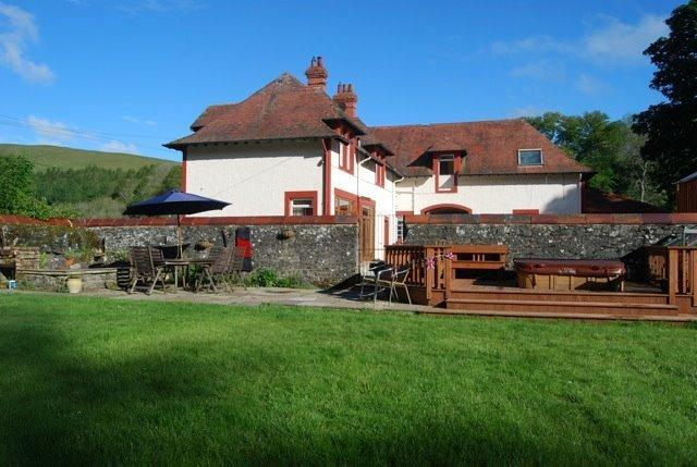 Pine Lodge Former Coach House, holiday rental in Borders