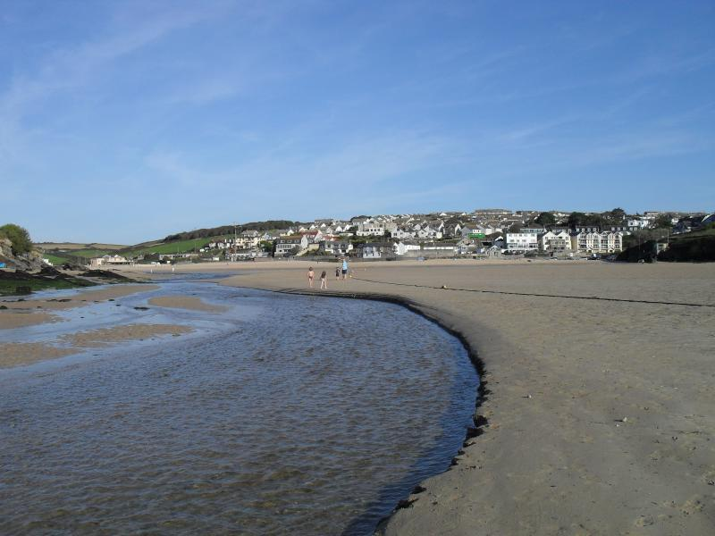 PORTH BEACH  HAS A STREAM RUNNING THROUGH IT --  PERFECT FOR CHILDREN TO PLAY!