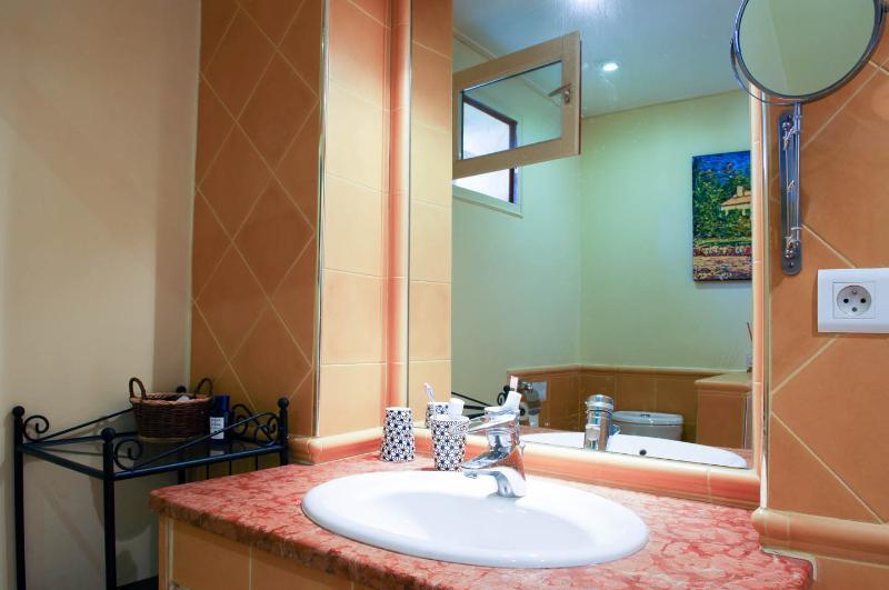 La salle de bain de la chambre jaune d'Agarrus