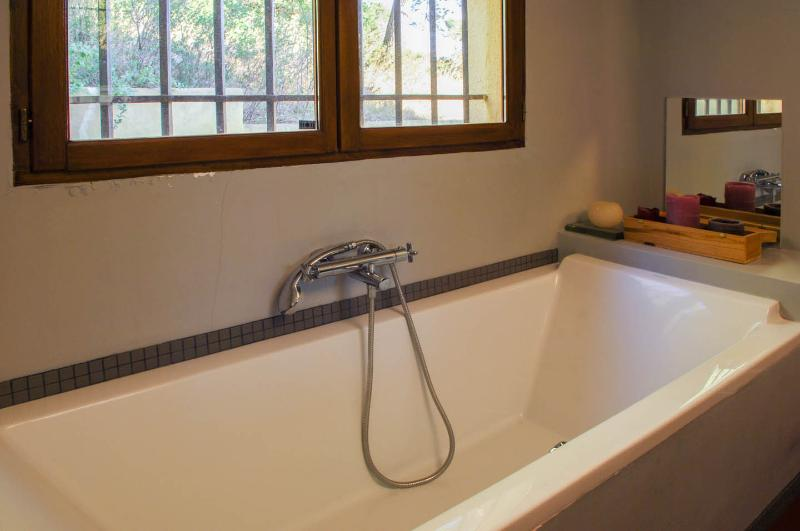 Salle de bain de la suite parentale d'Agarrus
