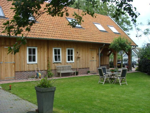 Bed & Breakfast Bij De Pastorie, The building is constructed in 2011 and is made in Lariks wood.