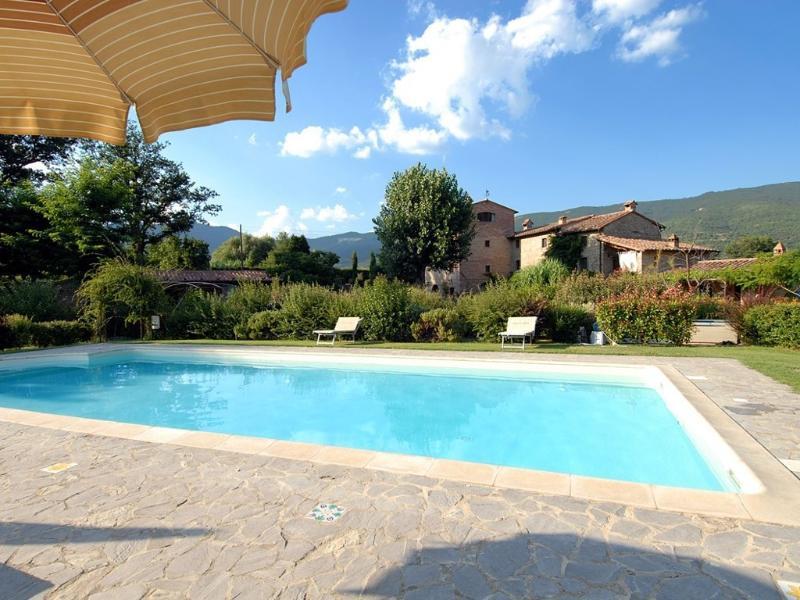 Stalla Rustica 3bed 3 bath, vacation rental in Piazzano