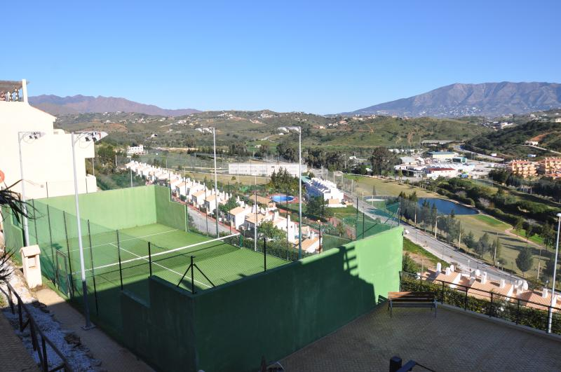 Paddle court in the urbanisation