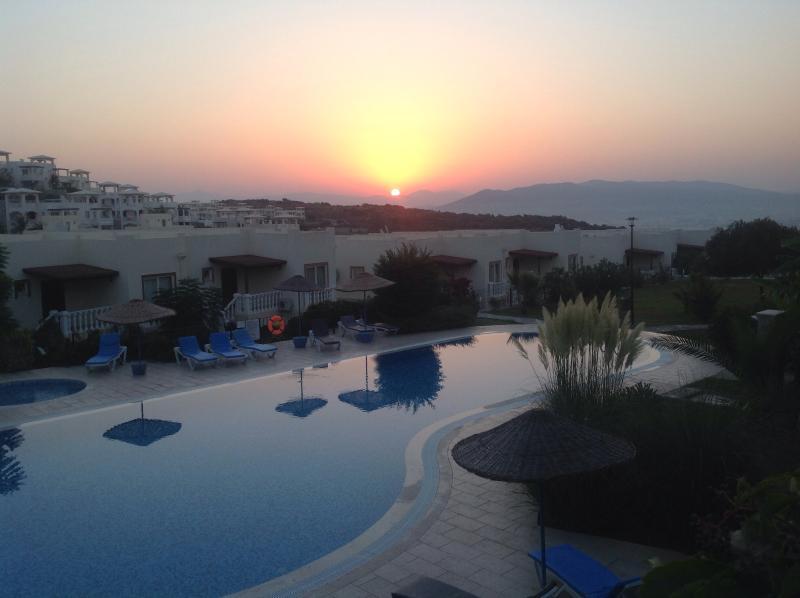 Holiday Penthouse/apartment Bodrum Turkey.Sleeps 5, holiday rental in Dorttepe