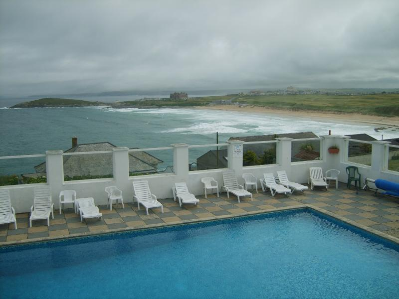 AMAZING FISTRAL BEACH LOCATION -  STUNNING SEA VIEWS FROM THE PROPERTY + THE COMPLEX!