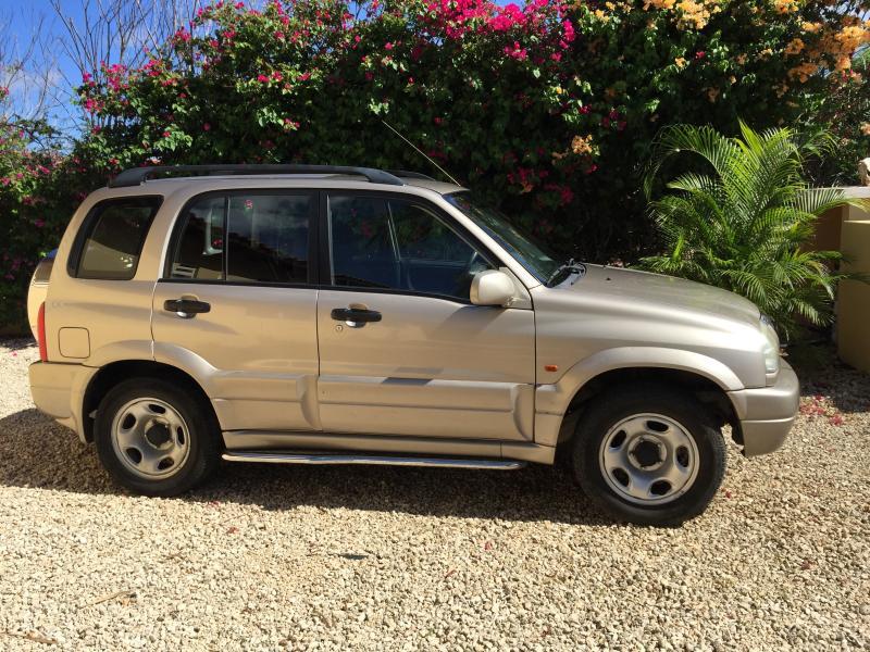 Suzuki Grand Vitara jeep for rent
