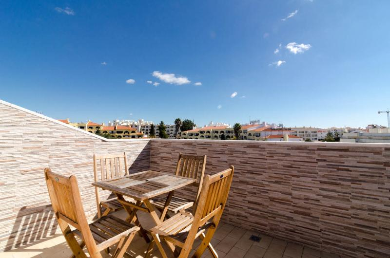 APARTMENT MARISOL, holiday rental in Albufeira