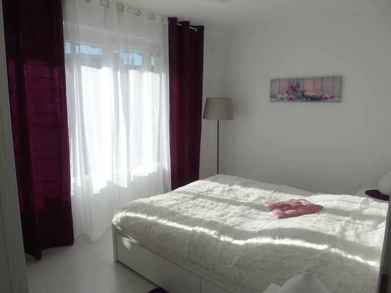 Chambre climatisée avec lit queen size (160X200)