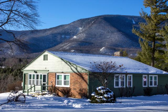 Winter with gorgeous views at Innkeeper's Cottage