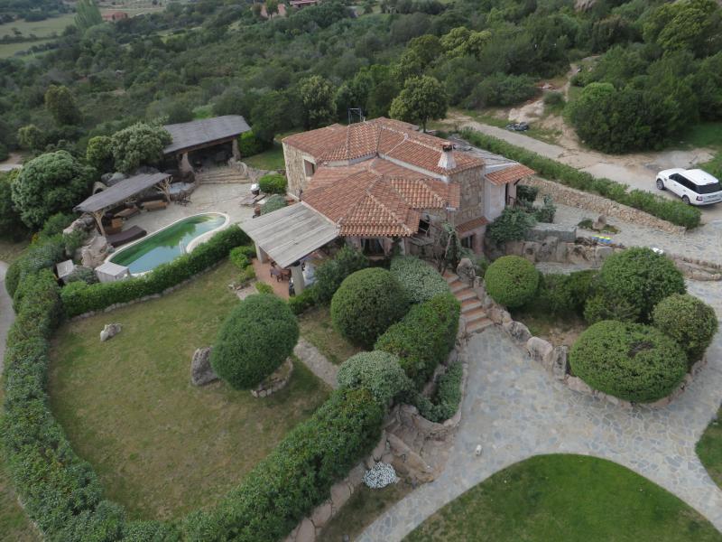 Villa Oleandrocostasmeralda, holiday rental in Porto Cervo