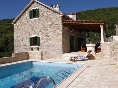 LUXURY VILLA FOR VACATION, alquiler de vacaciones en Stomorska