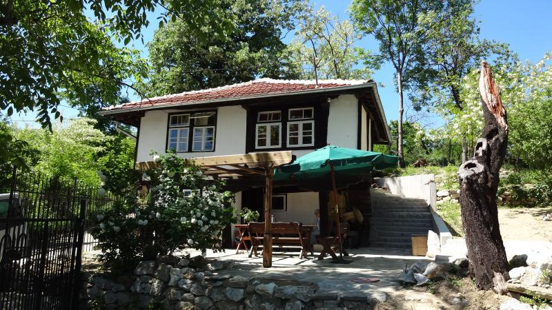 Old mountain house Lisetz, vacation rental in Gabrovo Province