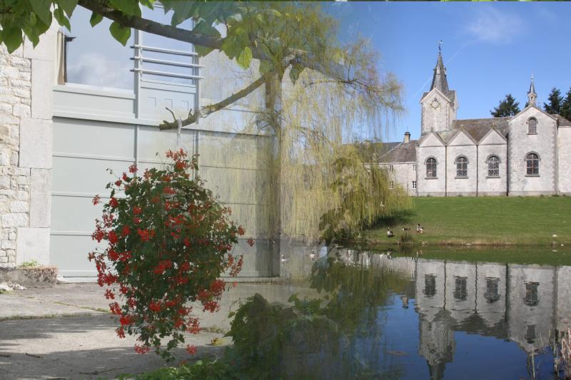 Gite rural dans un site classé des Ardennes belges, holiday rental in Les Avins