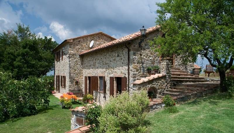 Self Catering in Stribugliano House for 4 people, vacation rental in Arcidosso