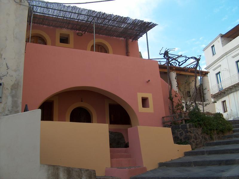 Esterno casa di Rinella appartamenti 1° e 2° Piano