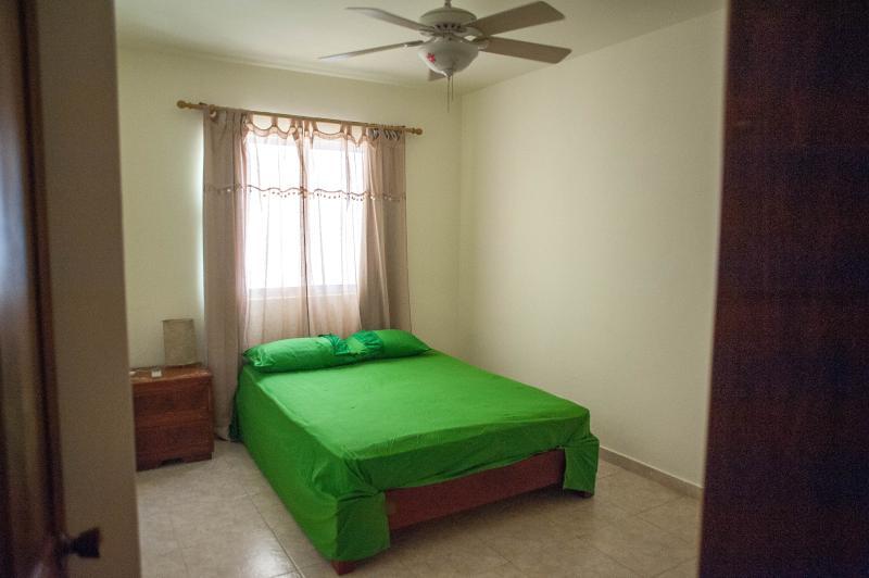 segunda habitación con cama queen size