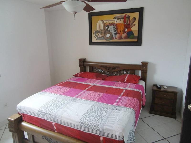 Alcoba principal Colchón Ortopédico - Master bedroom orthopedic mattress