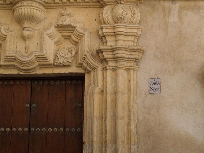 Casco histórico Puerto de Sta. María. Entrada edificio siglo XVIII