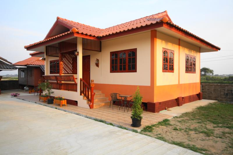 S-Homestay two room house (living/bedroom&bedroom), location de vacances à Province de Chiang Rai