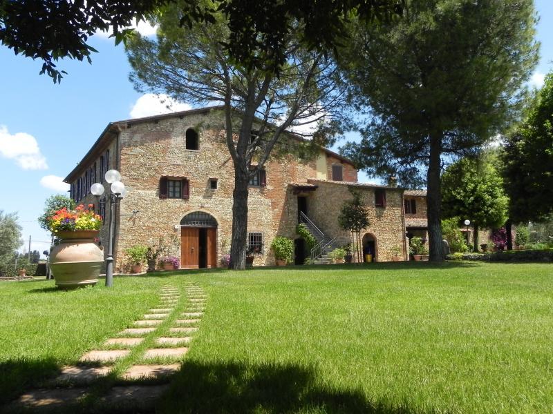 Villa rentals apartments 4 bed, holiday rental in San Pancrazio