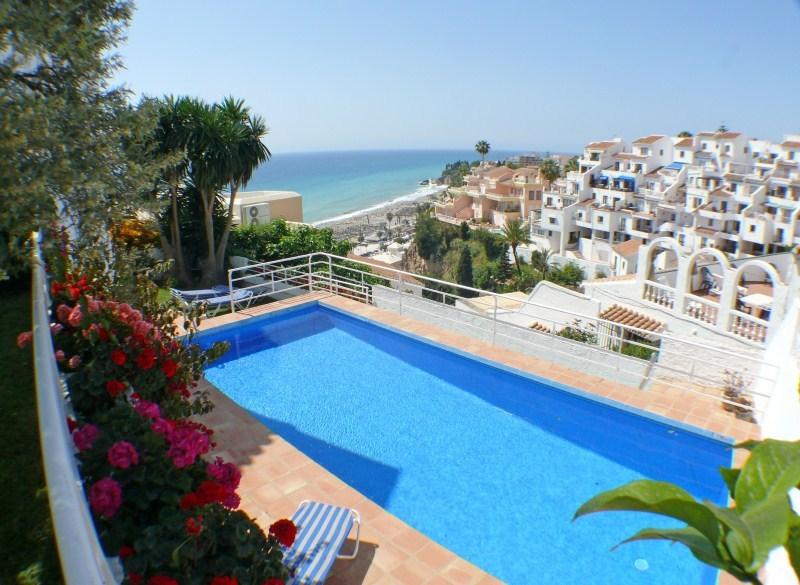 House with garden,private pool and sea views, holiday rental in Nerja