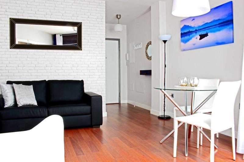 Moderno apartamento + Parking gratis - Cerca de Centro Histórico, location de vacances à Malaga