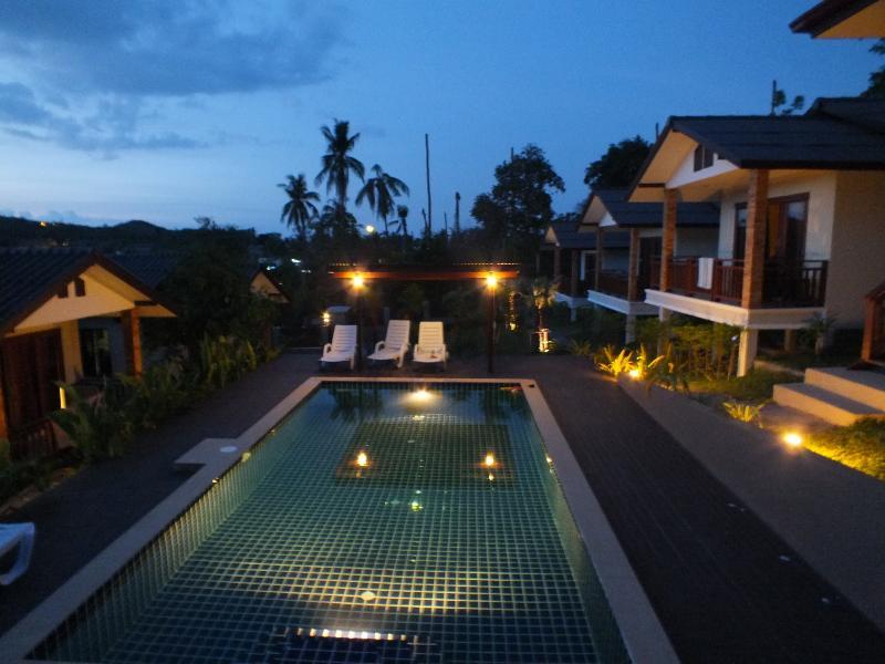 Kamon villa double bedroom, vacation rental in Choeng Mon