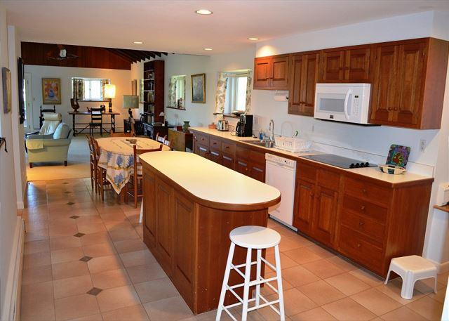 The kitchen also has a center island.