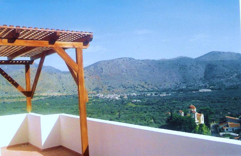 vista de Elounda mountaind y oliva de la casa