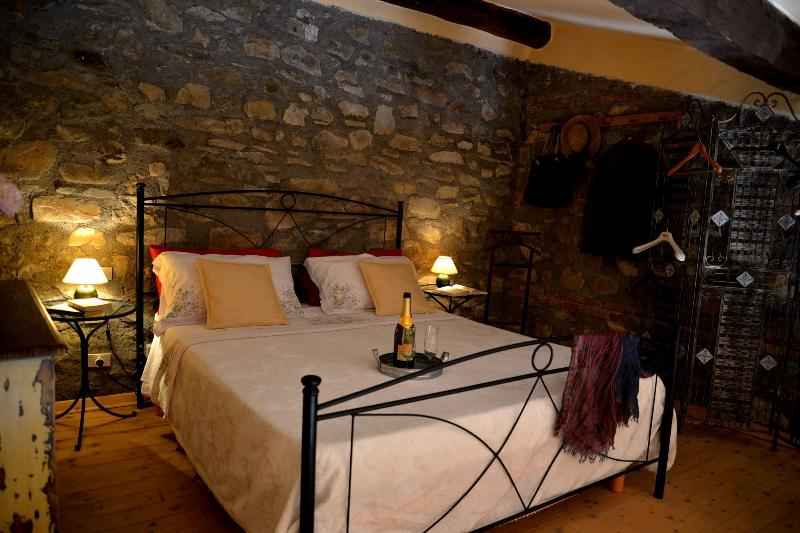 For a romantic 'get away from it all' in Italy, holiday rental in Tavernelle