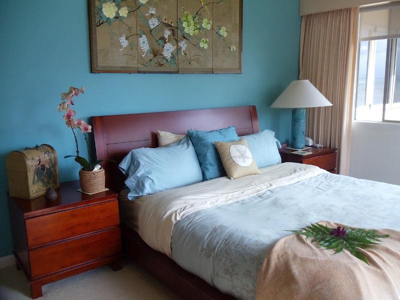 Queen room with ocean views