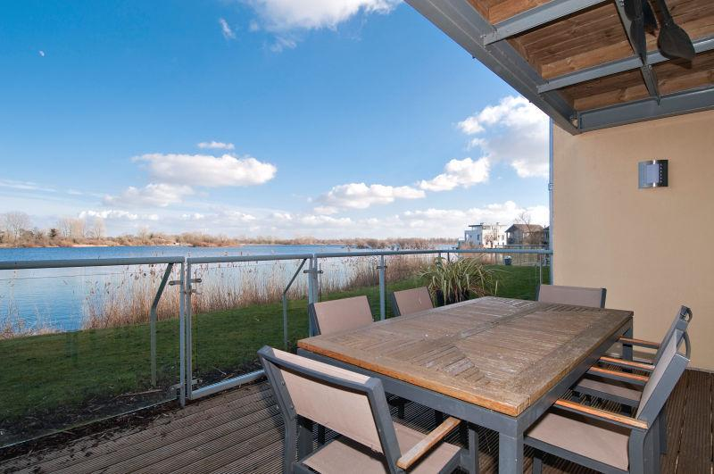 Highly enviable location on the estate, with uninterrupted views across the nature reserve and lake