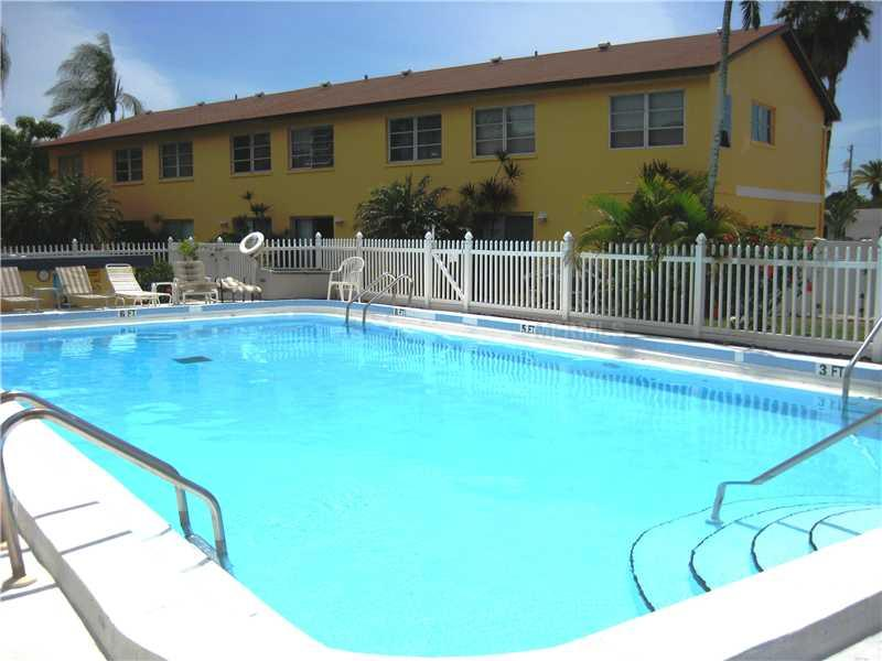 Nice complex pool area
