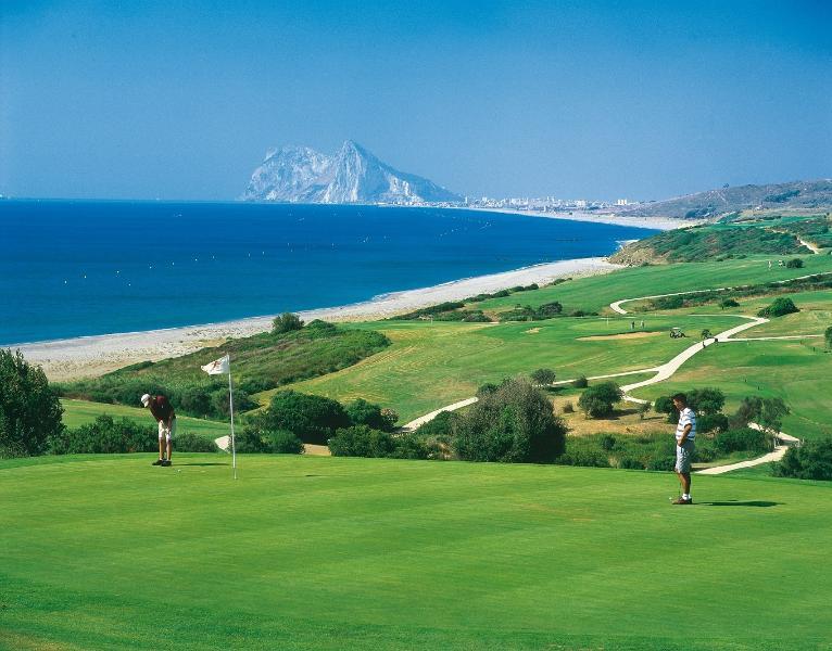 Golf La Alcaidesa (15 min drive)