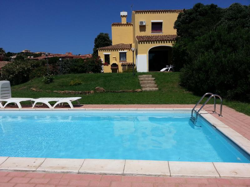 Villa Serena B con piscina privata 4+2 p.l., vacation rental in Stintino