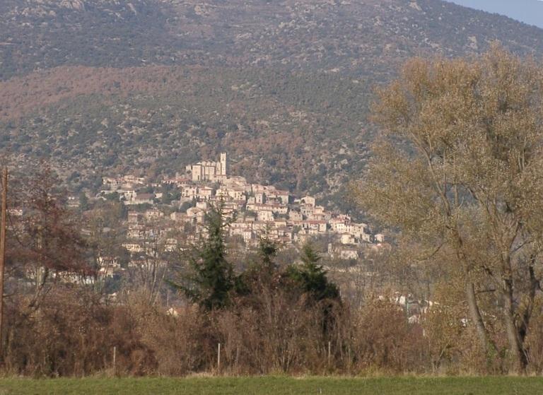 Le village d'EUS vu du Mas Cadeil