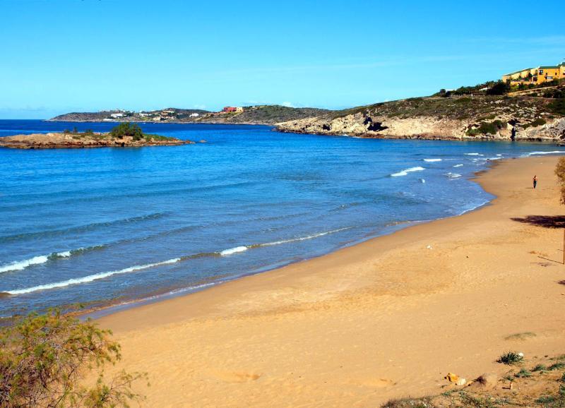 Kalathas Sandy beach 2min from the villa