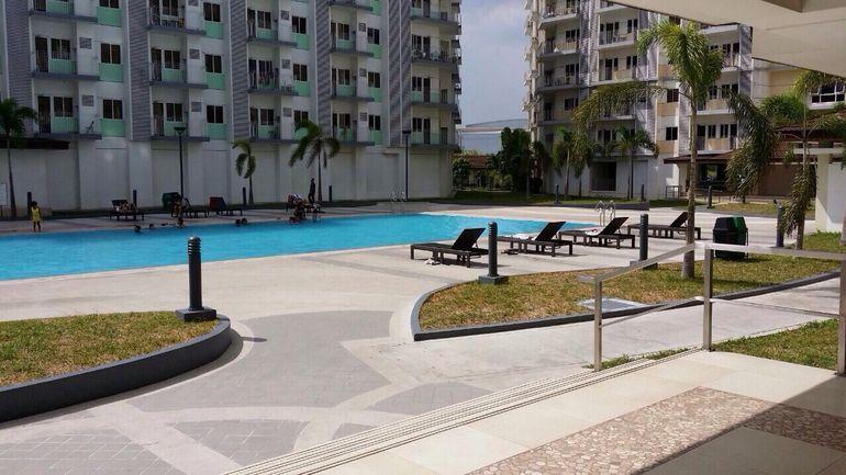 Tenants/guests can use the swimming pool for free. Pls provide the guest name for registration.