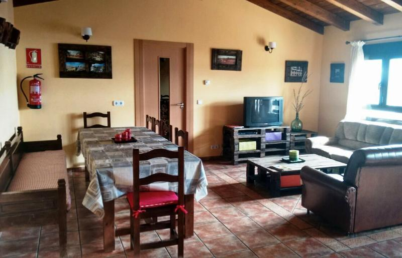 Las Candelas de Torreandaluz - El Otero, vacation rental in Calatanazor
