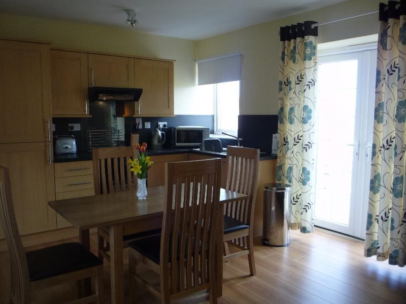 Gally Kitchen/Lounge