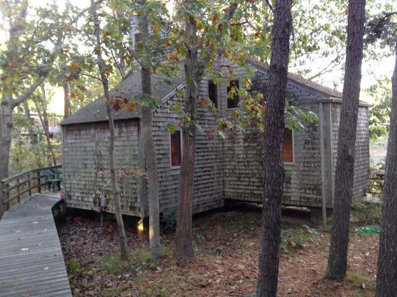 Wellfleet Vacation Cottage Deck2 Condos, vacation rental in Wellfleet