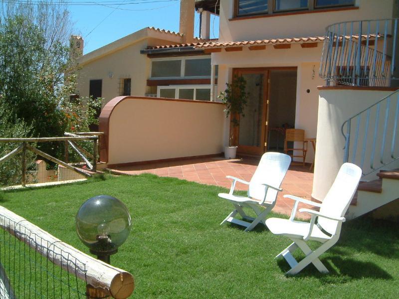 Casa con giardino a 200m dalla spiaggia IUN Q1258, location de vacances à Sardaigne